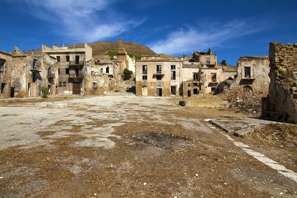ghost towns italy