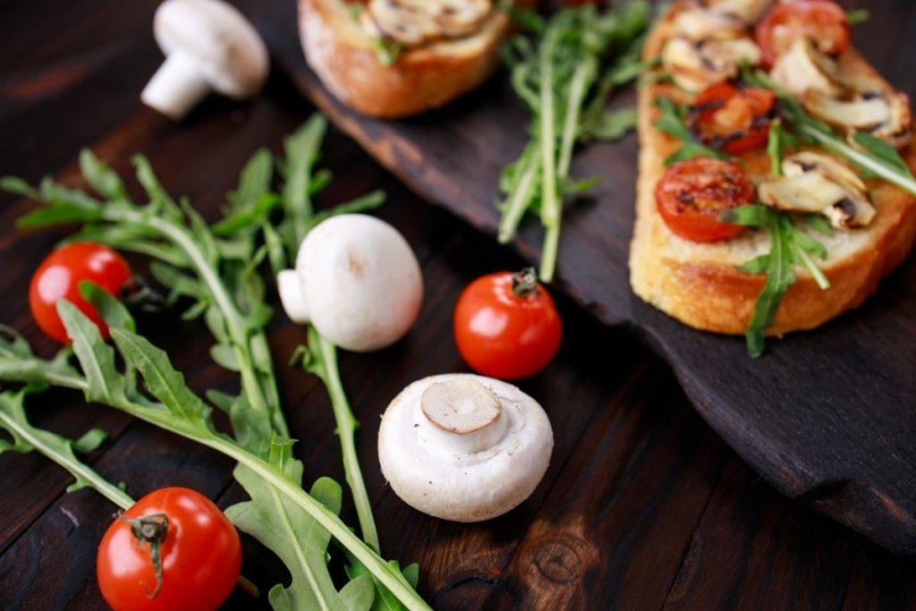 10. Bruschetta con funghi recipe