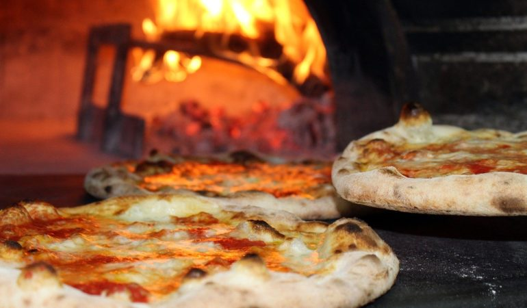 interesting facts about pizza in Italy