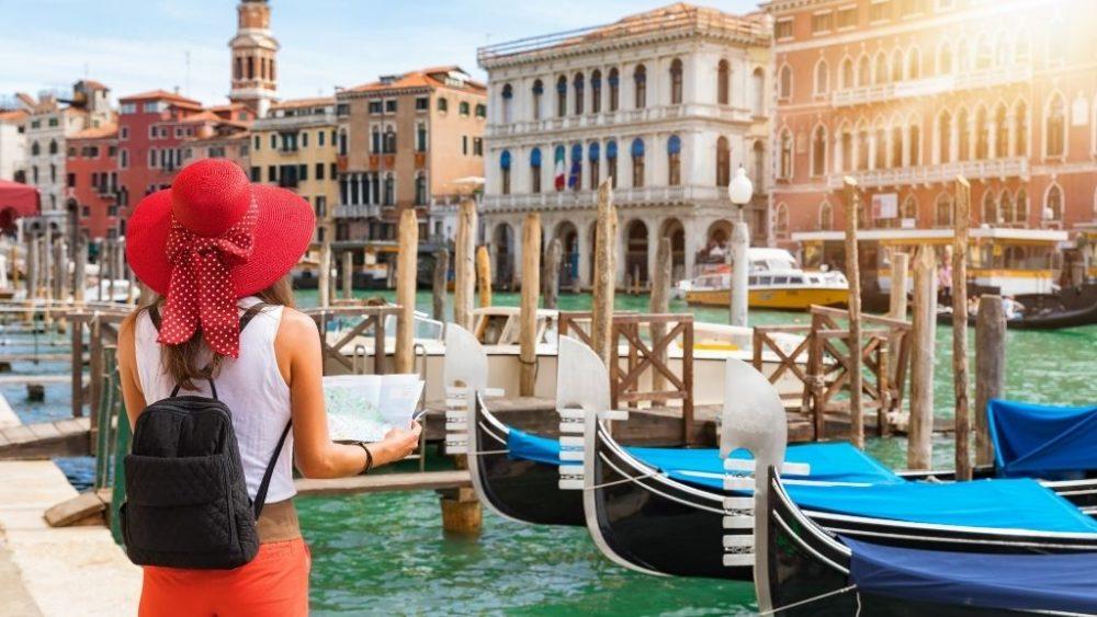 travel to Italy tourist venice
